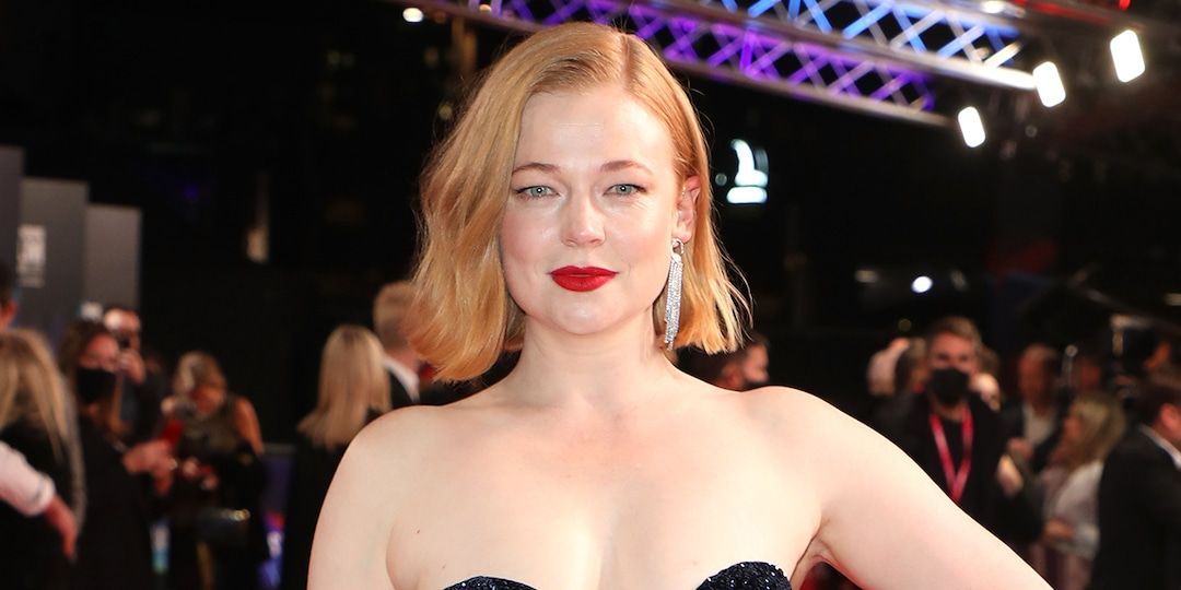 Succession's Sarah Snook Reveals She Married Comedian Dave Lawson - E! Online.jpg
