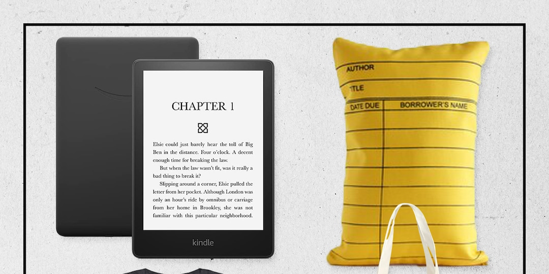 20 Holiday Gifts for the Book Lovers on Your List - E! Online.jpg