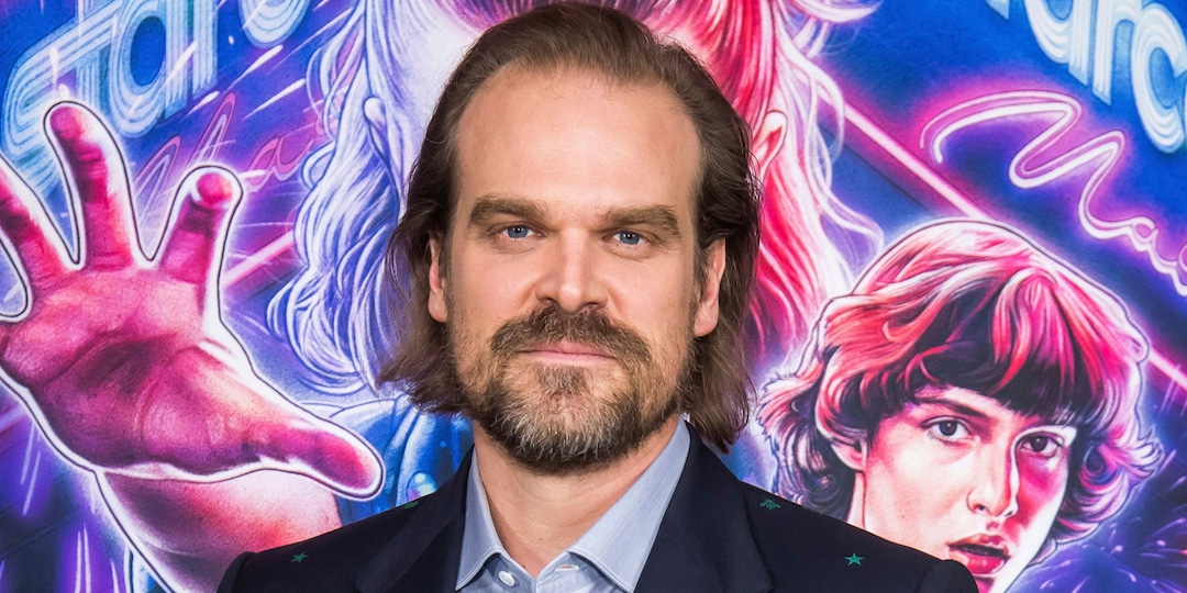 You Need to See David Harbour's Jaw-Dropping Transformation For New Netflix Movie - E! Online.jpg