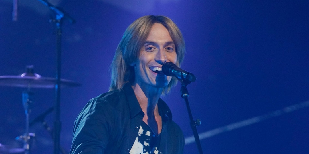 Watch This Keith Urban Tribute Artist Wow the Clash of the Cover Bands Judges - E! Online.jpg
