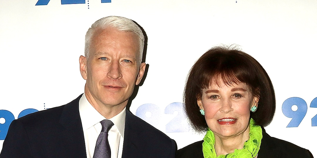 Anderson Cooper Recalls Posing as Mom Gloria Vanderbilt's Assistant to Sell Her Artwork - E! Online.jpg