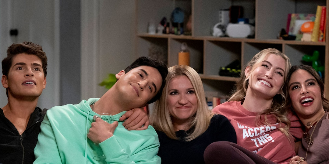 Emily Osment and Her Pretty Smart Co-Stars Talk Tackling Stereotypes - E! Online.jpg